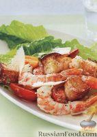 Фото к рецепту: Салат Цезарь по-средиземноморски