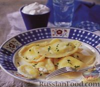 Фото к рецепту: Вареники с картофелем и сливочным сыром
