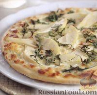 Фото к рецепту: Пицца с грушами и сливочным кремом