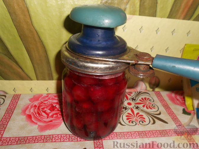 Фото приготовления рецепта: Варенье из черешни с косточками - шаг №14