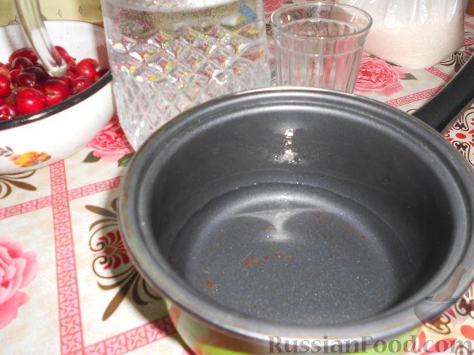 Фото приготовления рецепта: Варенье из черешни без косточек - шаг №4