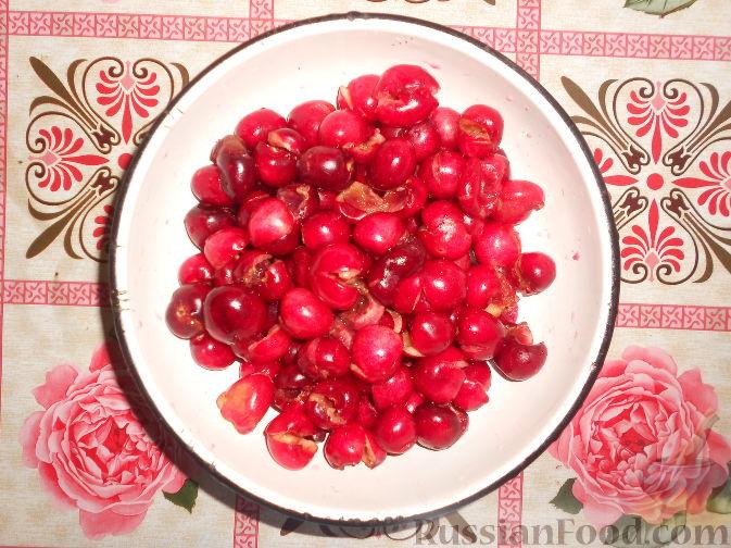 Фото приготовления рецепта: Варенье из черешни без косточек - шаг №3