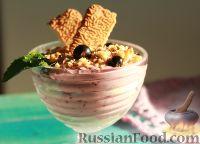 """Фото к рецепту: Творожный десерт со смородиной """"Ягодное вдохновение"""""""