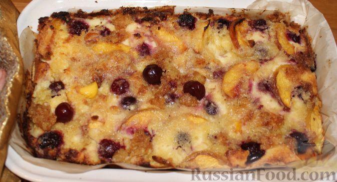 Фото приготовления рецепта: Летний пирог с вишней и нектаринами - шаг №18