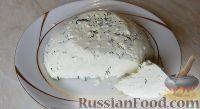 Фото к рецепту: Домашний сыр с зеленью (в мультиварке)