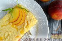 Фото к рецепту: Манная запеканка с персиками