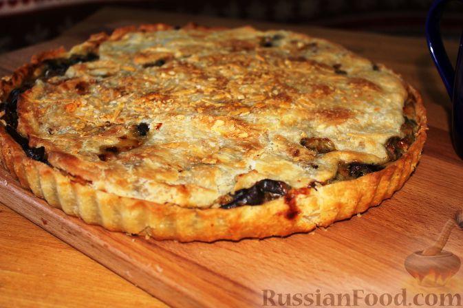 Фото к рецепту: Пирог со свежими баклажанами