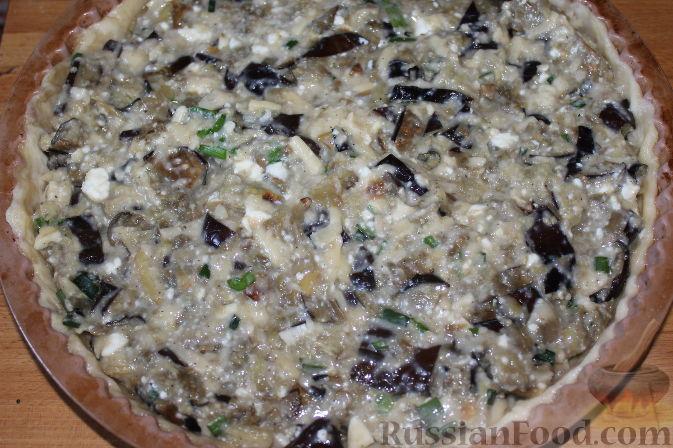 Фото приготовления рецепта: Пирог со свежими баклажанами - шаг №14