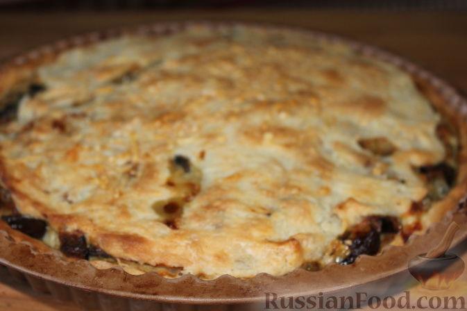 Фото приготовления рецепта: Пирог со свежими баклажанами - шаг №16