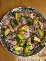 Фото приготовления рецепта: Курица, запеченная с яблоками - шаг №2