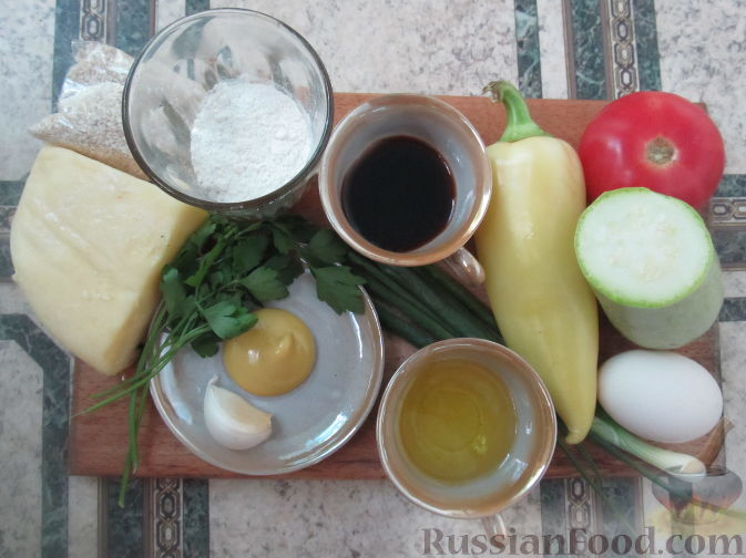 Фото приготовления рецепта: Салат с болгарским перцем, жареным сулугуни и кабачками - шаг №1