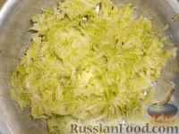 Фото приготовления рецепта: Мясные котлеты с кабачками - шаг №2