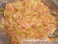 Фото приготовления рецепта: Мясные котлеты с кабачками - шаг №6