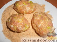 Фото приготовления рецепта: Мясные котлеты с кабачками - шаг №7