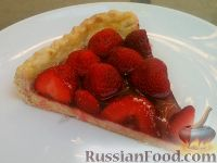 Фото к рецепту: Песочный пирог с ягодами