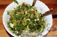 Фото к рецепту: Салат из перца, печенного на гриле, с брынзой и зеленью