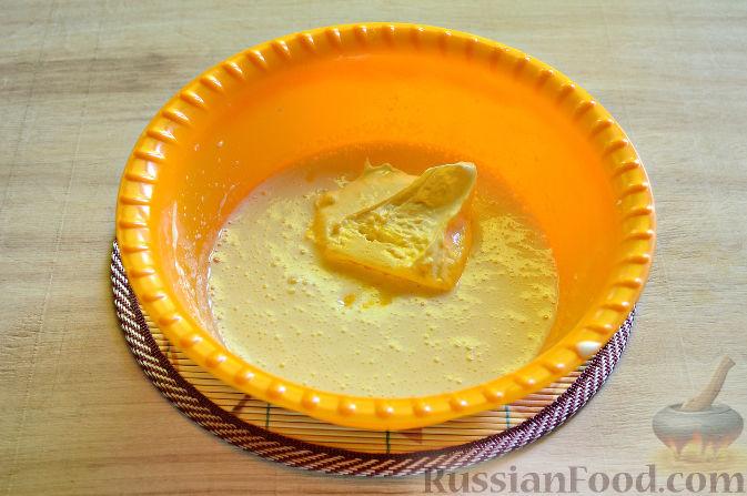 Фото приготовления рецепта: Вишневый кекс с изюмом - шаг №5