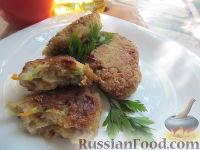 Фото к рецепту: Котлеты с кабачками и соевым фаршем