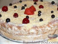 Фото к рецепту: Бисквитный торт со сливочно-белковым кремом