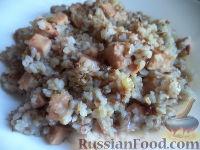 Фото к рецепту: Гречневая каша с колбасой