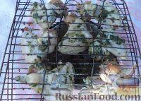 Фото приготовления рецепта: Куриные крылышки в соевом соусе - шаг №7