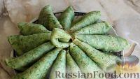 Фото к рецепту: Зеленые тонкие блины со шпинатом