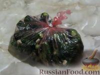 Фото приготовления рецепта: Огурцы малосольные (в пакете) - шаг №2