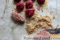 Фото приготовления рецепта: Свекольные котлеты - шаг №6