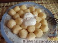 Фото к рецепту: Отварные творожные шарики