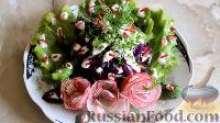 Фото к рецепту: Салат из краснокочанной капусты с огурцом и редисом