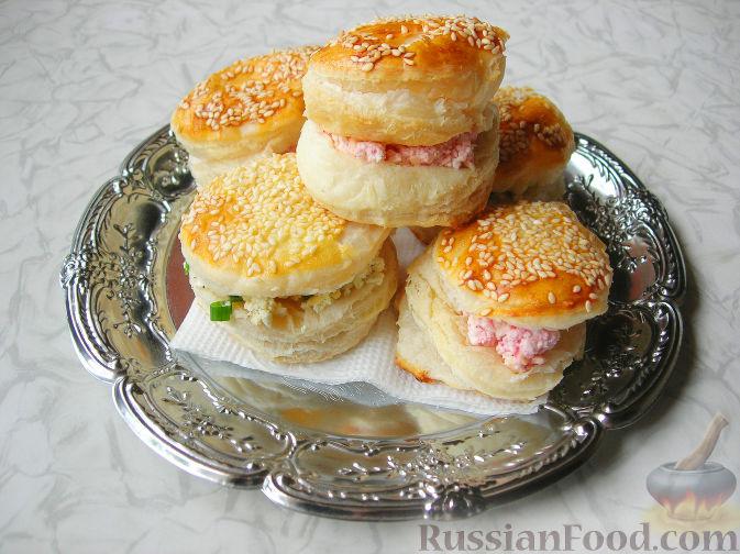 Сосиски в тесте рецепт слоеное тесто с сыром
