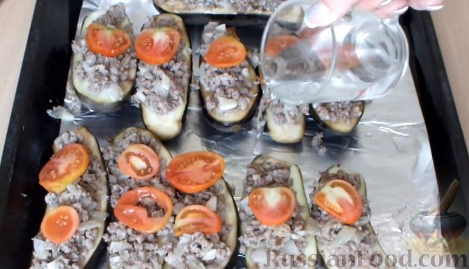Рецепт приготовления баклажанов в духовке с помидорами и фаршем
