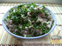 Фото к рецепту: Салат из говяжьей печени