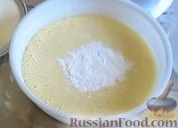 Фото приготовления рецепта: Манник на кефире (без муки) - шаг №4