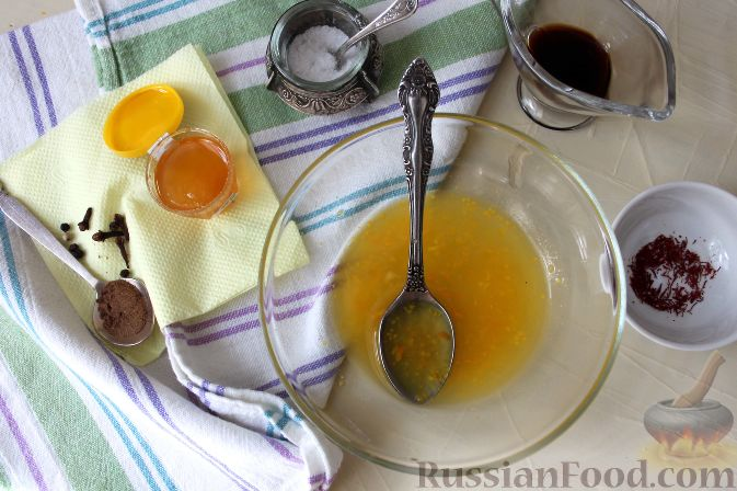 Фото приготовления рецепта: Гарнир из яблок и брусники (к мясу) - шаг №7
