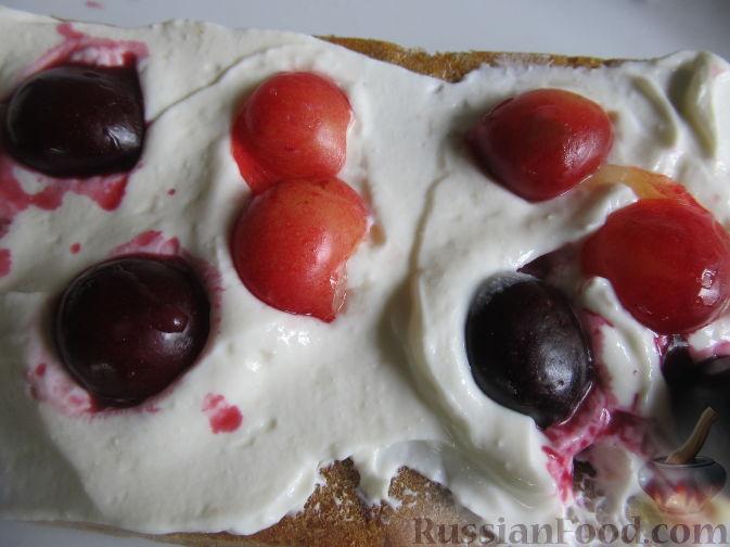 Фото приготовления рецепта: Полезный торт с клубникой - шаг №18