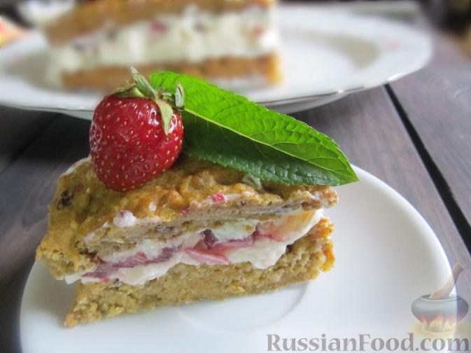 Фото приготовления рецепта: Полезный торт с клубникой - шаг №19