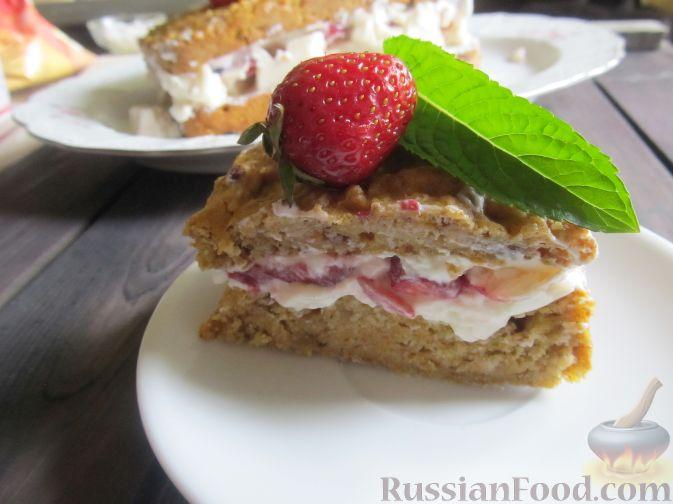Фото приготовления рецепта: Полезный торт с клубникой - шаг №20