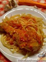 Фото к рецепту: Жареная курица под овощным соусом