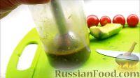 Фото приготовления рецепта: Салат с креветками - шаг №5
