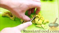 Фото приготовления рецепта: Салат с креветками - шаг №6