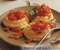 Фото к рецепту: Картофельное суфле с помидорами в виде птичьих гнезд