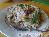 Фото к рецепту: Гречнево-рисовая каша с мясом