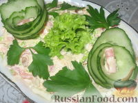Фото к рецепту: Салат с жареными кабачками
