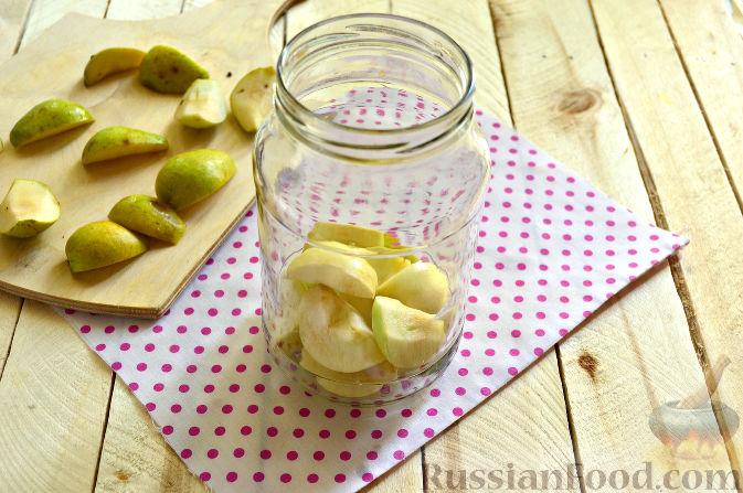 Фото приготовления рецепта: Картошка, тушенная с мясом и вёшенками - шаг №2