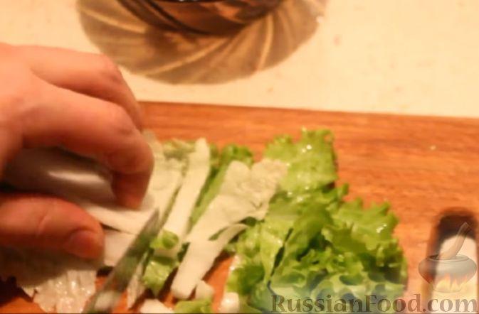 """Фото приготовления рецепта: Теплый салат """"Дары моря"""" из морепродуктов - шаг №2"""