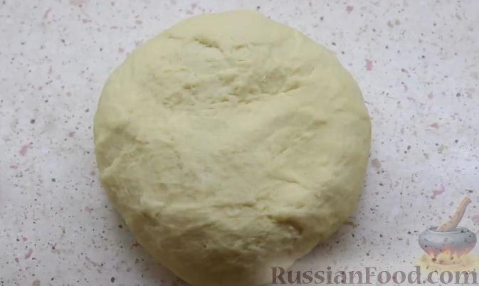 Фото приготовления рецепта: Вареники с клубникой - шаг №5