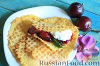 Фото к рецепту: Вафли с карамелизированными сливами