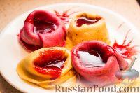 Фото к рецепту: Разноцветные блины с начинкой