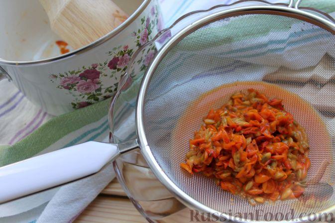 Фото приготовления рецепта: Горячий пунш из облепихи (безалкогольный) - шаг №3
